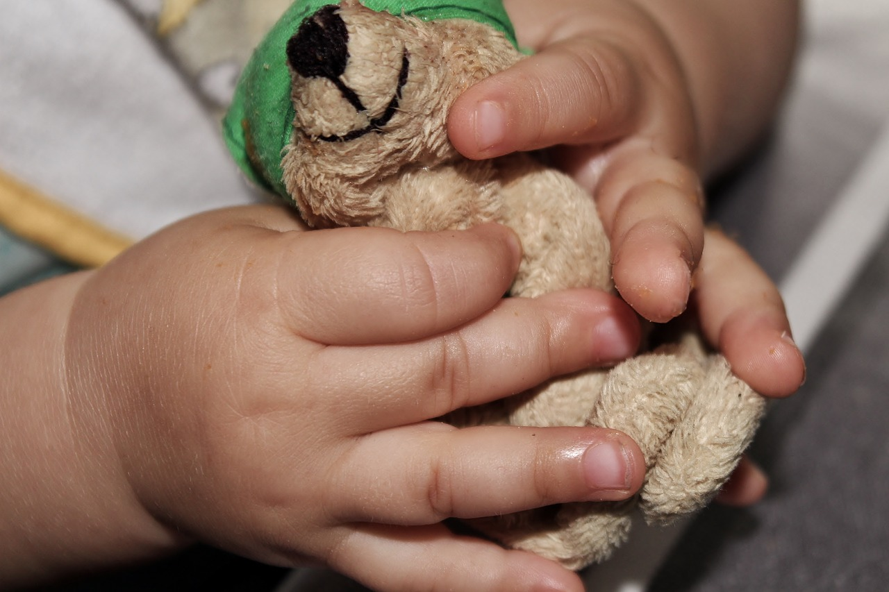 child-917365_1280